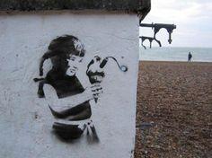 Brighton street-art / graffiti: Banksy on Brighton Beach Banksy Graffiti, Street Art Banksy, Arte Banksy, Banksy Artwork, Bansky, Street Art Utopia, Banksy Images, Banksy Canvas Prints, Canvas Art