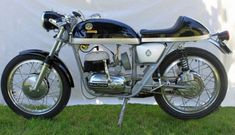 Classic Sport Bikes For Sale Bultaco Motorcycles, Vintage Motorcycles, Custom Motorcycles, Custom Bikes, Motorbikes, Scooters, Motorcycle Images, Bikes For Sale, Ex Machina