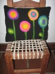 Resultado de imagen para bordados con lanas Cube, Cactus, Sewing, Crochet, Poufs, Chairs, Crafting, Children, Board