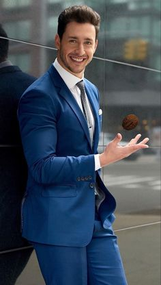 Mike has outstanding fashion sense which men should definitely copy in 17 Dr. Mike Looks For Men To Copy ASAP in 2019 Doctor Mike, Dr Mike Varshavski, Hot Doctor, Best Blue Suits, Modern Suits, Business Outfit, Mens Fashion Suits, Mens Suits, Well Dressed Men