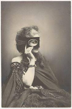Scherzo di FolliaArtist: Pierre-Louis Pierson (French, 1822–1913)Person in Photograph: Countess Virginia Oldoini Verasis di Castiglione (1835–1899)Date: 1863–66, printed 1940sMedium: Gelatin silver print from glass negativeThe Met