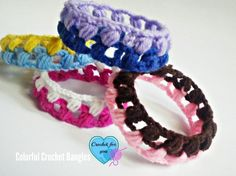These quick crochet bracelets are really fun for children. Colorful Crochet Bangles - Media - Crochet Me