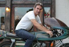 Mike Wolfe, American Pickers. American Pickers, Love Movie, Movie Tv, Danielle Colby, History Channel, Antique Shops, Archaeology, Personality, Pints