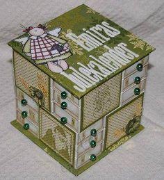 Krabička z krabiček od sirek