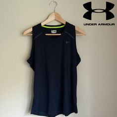 Under Armour Heat Gear Semi-Fitted  Sleeveless Top Under Armour Heat Gear Semi-Fitted  Sleeveless Top - Size Large. No stains or holes. Only worn a few times. NO TRADES Under Armour Tops Tank Tops
