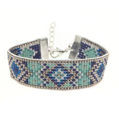 Le bracelet Ispahan est un kit de la Cabane. #lacabaneaperles