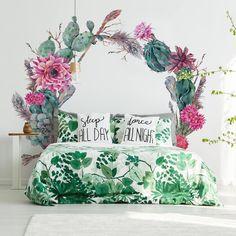 Wreath of flowers: #bedroom decor - MYLOVIEW.COM #home #decor #ideas #interior #style