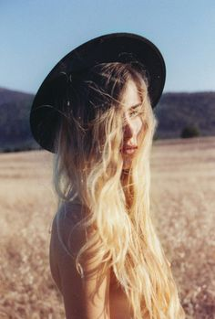ombre hair, I must admit, I love everything about this photo.   #Hair #Ombre #HairColor #MessyHair