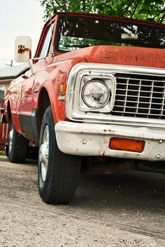 old pick up truck- can I please just own this? Please???