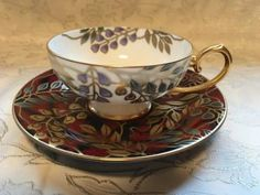 Wisteria flowers are drawn Aya Kon luxurious goods. Cup and Saucer