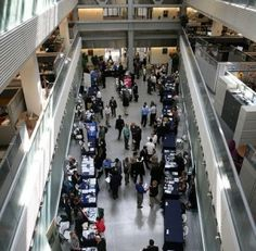 At the end of the day, how do you stand out from the swarms of eager students visiting a career fair? Follow these 8 tips to make a memorable impression on recruiters.