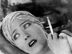 Gloria Swanson, 1920s