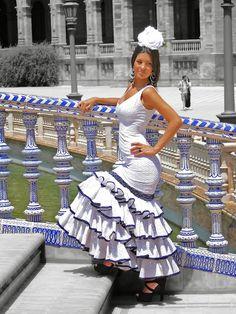 Turismo virtual por Andalucía: La mesa de trabajo del Joven Velázquez: El traje de flamenca