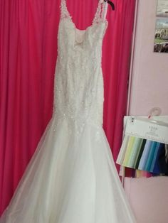 Wrdfong dress designers$599. size 8.beautial 1316