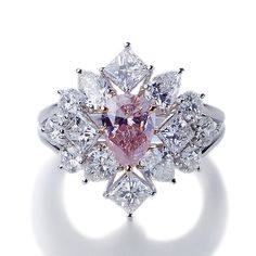Ooo what style! A unique pink Diamond ring. Pink Diamond Jewelry, Pink Jewelry, Jewelry Accessories, Jewelry Design, Colored Diamonds, Pink Diamonds, Art Deco Ring, Stone Pendants, Wedding Rings