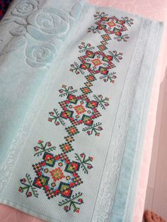 Cross Stitch Borders, Cross Stitch Designs, Cross Stitching, Cross Stitch Patterns, Pearler Beads, Bargello, Loom Patterns, Hand Embroidery, Needlework