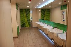 Sterile, kalte, geflieste Räume? Das muss nicht sein. Mit unseren Fliesenfolierungen steigern das Wohlbefinden Ihrer Kunden und Mitarbeiter. Corporate Design, Bathtub, Bathroom, Feel Better, Standing Bath, Washroom, Bathtubs, Bath Tube, Full Bath