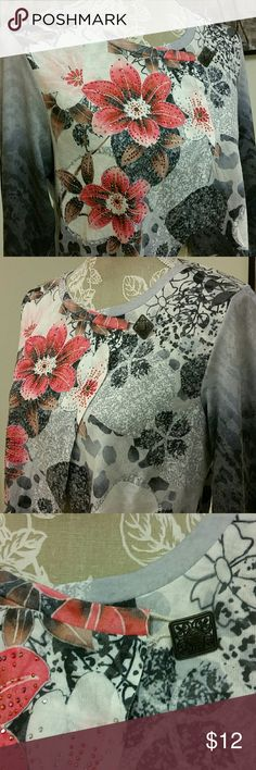 """3/4 Sleeve Wrap Cardigan Christopher & Banks size Petite Large 21"""" long gray floral 3/4 sleeve cardigan. Gently used, some very minor pilling under the sleeve. Christopher & Banks Sweaters Cardigans"""