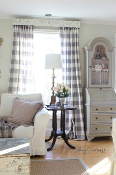 Maison Decor: Grey and White Winter Style