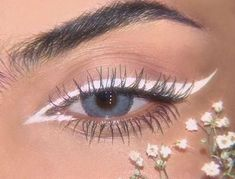 Cute Makeup Looks, Makeup Eye Looks, Creative Makeup Looks, Pretty Makeup, Skin Makeup, Beauty Makeup, White Eyeliner Makeup, Stunning Makeup, Crazy Makeup