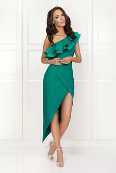Dashing Holiday Outfits To Try Out This Season African Fashion Dresses, African Dress, Chic Outfits, Fashion Outfits, Womens Fashion, Lace Dress, Wrap Dress, Evening Dresses, Prom Dresses