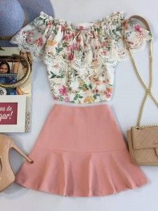 Off the shoulder floral top and pink skirt Cute Summer Outfits, Girly Outfits, Cool Outfits, Crop Top Outfits, Skirt Outfits, Couture Fashion, Girl Fashion, Fashion Outfits, Spring Summer Fashion