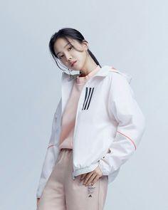 Korean Birthday, Apink Naeun, Son Na Eun, 1 Film, Windbreaker Jacket, Korean Girl, Rapper, Sons, I Am Awesome