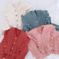 Baby Clothes Brands, Baby Kids Clothes, Baby Girl Cardigans, Girls Sweaters, Kids Dress Wear, Baby Dress, Knitting For Kids, Baby Knitting, Baby Girl Fashion