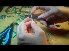 Crimping How to crimp a necklace or bracelet end Szarka style. This video from Magpie Gemstones is an indepth description of my multi step process of crimping the ends of a necklace or bracelet. Once you learn how to crimp you can end or finish Diy Jewelry Tutorials, Jewelry Tools, Beading Tutorials, Jewelry Findings, Wire Jewelry, Wire Wrapped Jewelry, Jewelry Crafts, Beaded Jewelry, Silver Jewelry