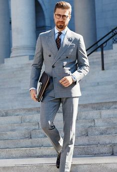 Gentleman style gray double breasted suit with polka dot tie Mens Fashion Blog, Estilo Fashion, Mens Fashion Suits, Grey Fashion, Mens Suits, Fashion Fashion, Style Gentleman, Gentleman Mode, Look Formal