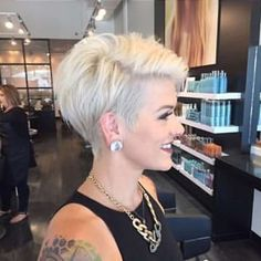 Short Haircut 2017 – 3 Short Haircut 2017 – 3 Related Most Trending Short Haircuts For Women Blonde Bob Haircuts and Hairstyles for Women 2019 Short White Hair, Short Hair With Layers, Short Hair Cuts For Women, Short Hairstyles For Women, Short Hair Styles, Edgy Short Hair, Haircuts For Fine Hair, Short Pixie Haircuts, Short Haircut