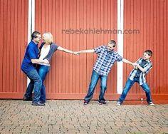 #pose #family #pictures #photos #fun #rebekahlehman.com #older kids #family of 4