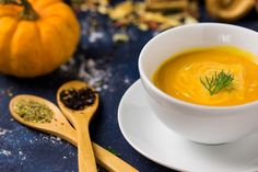 Pumpkin soup  #macrofood #food #foodphotography #yemekfotografciligi #yemekfotografcisi #orange #colour #spice #miniature #macro #closeup #studioshot #darkblue #balkabagi #halloween #celebration #aycayalciner #photographer #autumn #dryleaves #spoon #delicious #healthyfood #diet #vitamin #soup #bowl