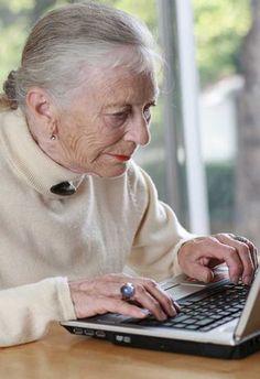 Los mayores en España compran cada vez más en línea  Los consumidores de mayor edad en España, de edades entre 50 para arriba, siempre estaban entre los más reticentes a utilizar Internet o hacer compras en línea, pero esta tendencia está cambiando lentamente. Ahora Internet es un destino común para las personas mayores españolas que se ven más a menudo comprar productos y servicios.  España ha tenido unos años de dificultades económicas, que disminuyeron el poder adquisitivo de los…