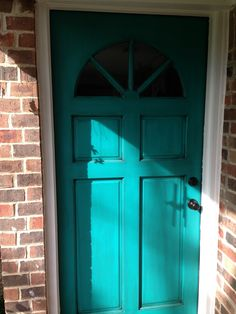 I finished my first paint and glazing. Nifty Turquoise by Sherwin Williams, glaze by Valspar Antique glaze.