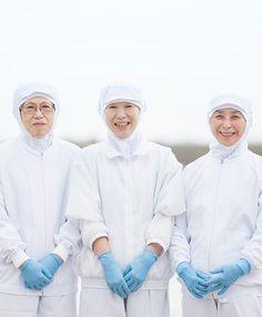 創業昭和32年の水産加工品メーカー。宮城県石巻市で、鯨大和煮をはじめとする、新鮮な三陸の魚を使用した缶詰・加工品を製造しています。 #white #scroll #parallax #navyblue #food #hover #mouseover #photo