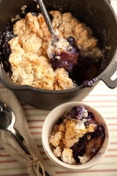 Peach Cobbler | 34 Things You Can Cook On A Camping Trip