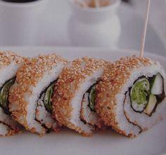Idea de rolls de sushi vegetarianos