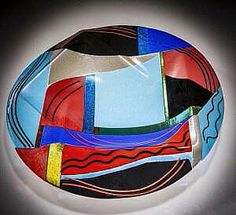 Varda Avnisan's and crafted kiln-form art glass bowl, part of the Barcelona series. This series is inspired by the city of Barcelona and the vibrant colors that architect Antoni Gaudi used in his architecture. Sedar Plate, Antoni Gaudi, Glass Artwork, Glass Mosaic Tiles, Home Decor Bedroom, Innovation Design, Fused Glass, Bunt, Vibrant Colors