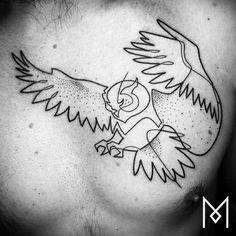 Les superbes tatouages linéaires de Mo Ganji