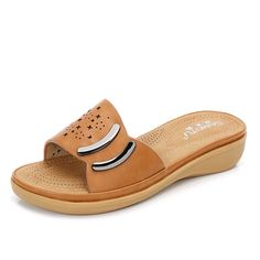 Navoku Womens Summer Leather Fashion Sandles Sandals ** Sincerely hope that you actually do like our image. (This is our affiliate link) Slipper Sandals, Women's Shoes Sandals, Womens Slippers, Womens Flats, Girls Sandals, Women Sandals, Barefoot Sandals Wedding, Comfortable Flats, Leather Fashion