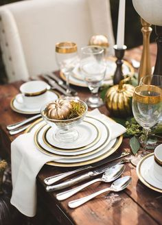 12 Trending Fall Table Décor Ideas We're Completely Obsessed With