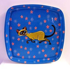 Divine VINTAGE SERVING TRAY Siamese Cat design. Possibly 1950's. TV Lap Tray.