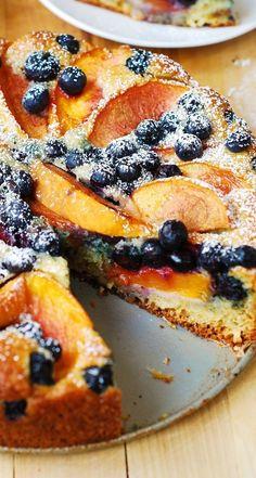 Blueberry Yogurt Cake, Greek Yogurt Cake, Blueberry Recipes, Peach Blueberry Cake Recipe, Peach Yogurt Cake, Peach Cake Recipes, Apricot Recipes, Greek Yogurt Recipes, Summer Dessert Recipes
