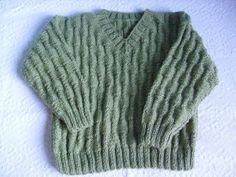 Esta é uma receita de tricô fácil, porém com um lindo resultado. Tamanho 5 a 7 anos Holidays And Events, Leg Warmers, Baby Knitting, Lana, Ravelry, Baby Kids, Knit Crochet, Diy And Crafts, Men Sweater