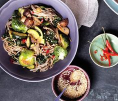 Fast, Healthy, Fresh Asian Recipes: Soba Noodle Bowl With Kale and Mushrooms. Feel free to use whatever produce you find in your fridge, adding firmer vegetables like broccoli first. #SELFmagazine