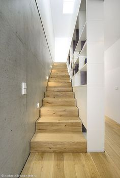 Wood Architecture Semi-detached house B – Munich architecture Modern Staircase, Staircase Design, Interior Stairs, Home Interior Design, Semi Detached, Detached House, Wood Architecture, Local Architects, House Stairs