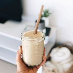 Salted caramel healthy smoothie by @christieswadling featuring @51.raw bamboo straw