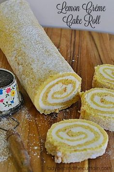 Lemon Créme Cake Roll A light and fluffy sponge cake with a delicious easy to make lemon créme filling. Your Holiday table, baby shower, birthday party or Mother's Day! This impressive cake is perfect for any occasion! Lemon Desserts, Lemon Recipes, Köstliche Desserts, Dessert Recipes, Lemon Creme Cake, Lemon Cream, Cake Roll Recipes, Lemon Roll Cake Recipe, Sponge Cake Roll Recipe