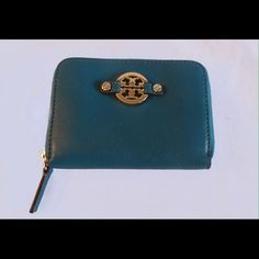 """Tory Burch Amanda Leather Zip Coin Wallet Tory Burch Robinson Saffiano Leather Continental Wallet      Excellent condition, this does not have the key ring. Approx Measurements : 4.5"""" X 3.5""""All of my items are Guaranteed 100% Genuine I do not sell FAKES of any kind   No Trades (S093) Tory Burch Bags Wallets"""